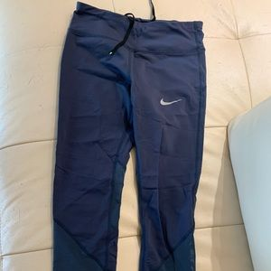 Nike Epic Crops: small